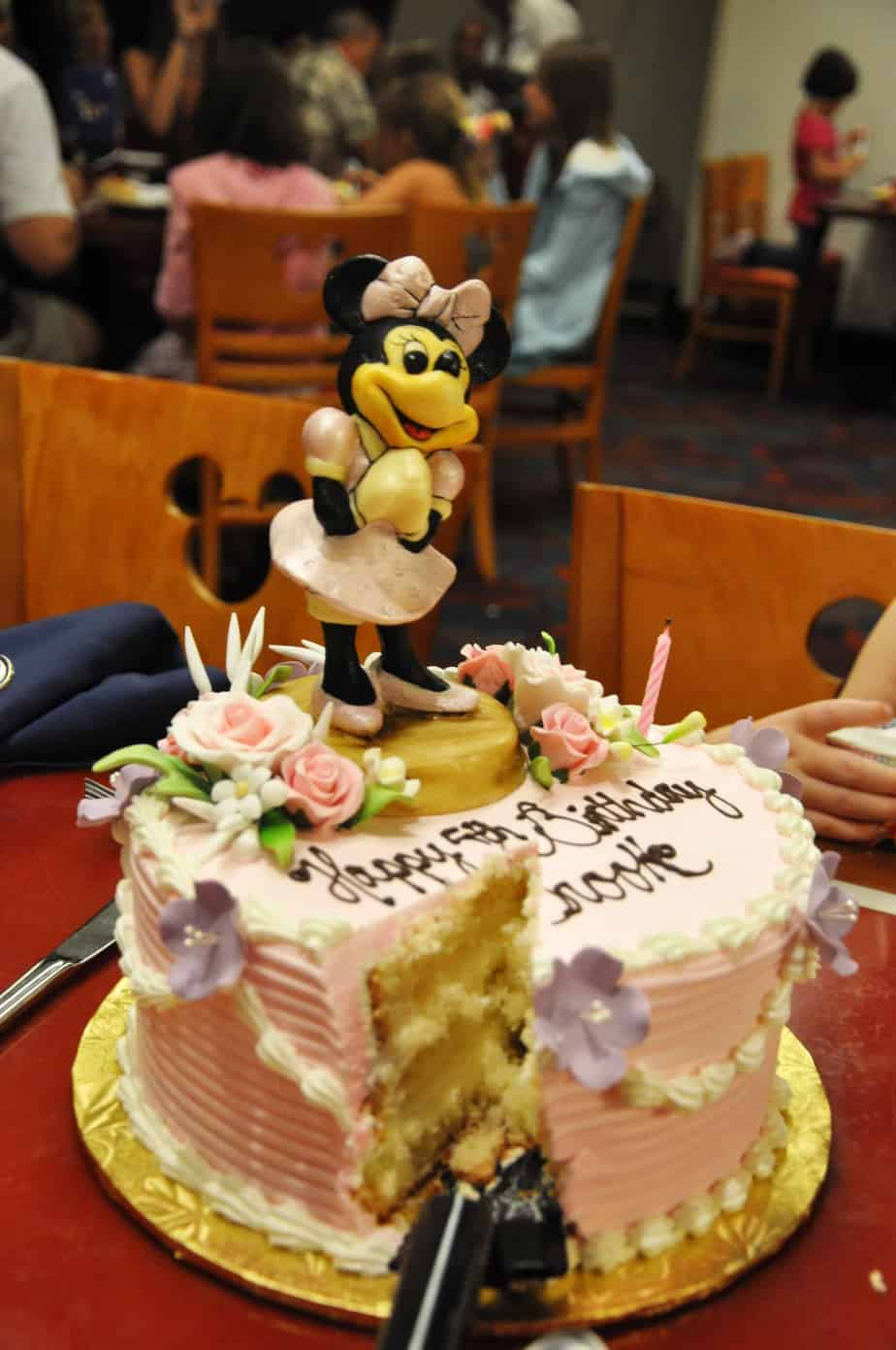 Wondrous Video Celebrating Your Birthday In Style At Disney World Personalised Birthday Cards Veneteletsinfo