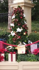 Top 5 Favorites At Disney World's EPCOT During The Holidays