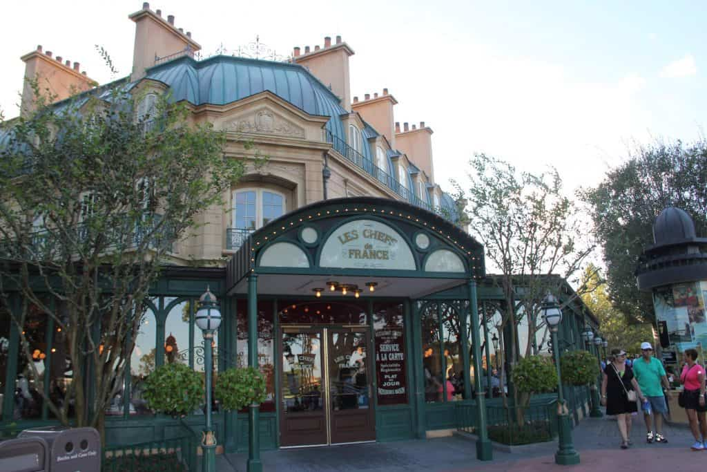#WALTEXPRESS #DISNEYWORLD #EPCOTHOLIDAYS 2019 Candlelight Processional Dining Packages
