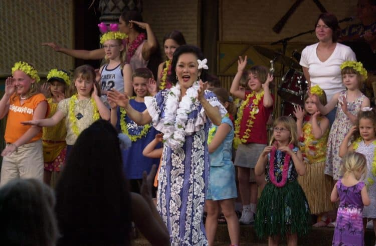 #waltexpress #waltdisneyworld #disneyluau spirit of aloha dinner show